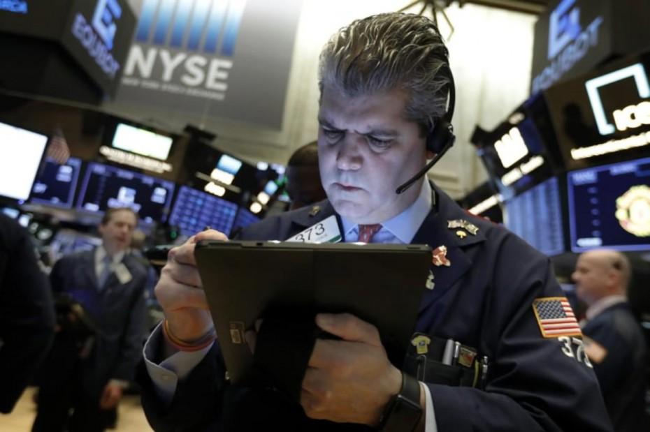 «Παγωμάρα» στη Wall Street, μετά την ανεργία στις ΗΠΑ