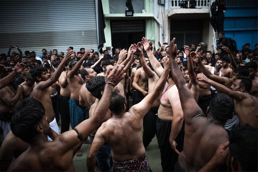 Σιίτες γιόρτασαν την Ασούρα με αυτομαστίγωμα, σε Πειραιά και Περιστέρι