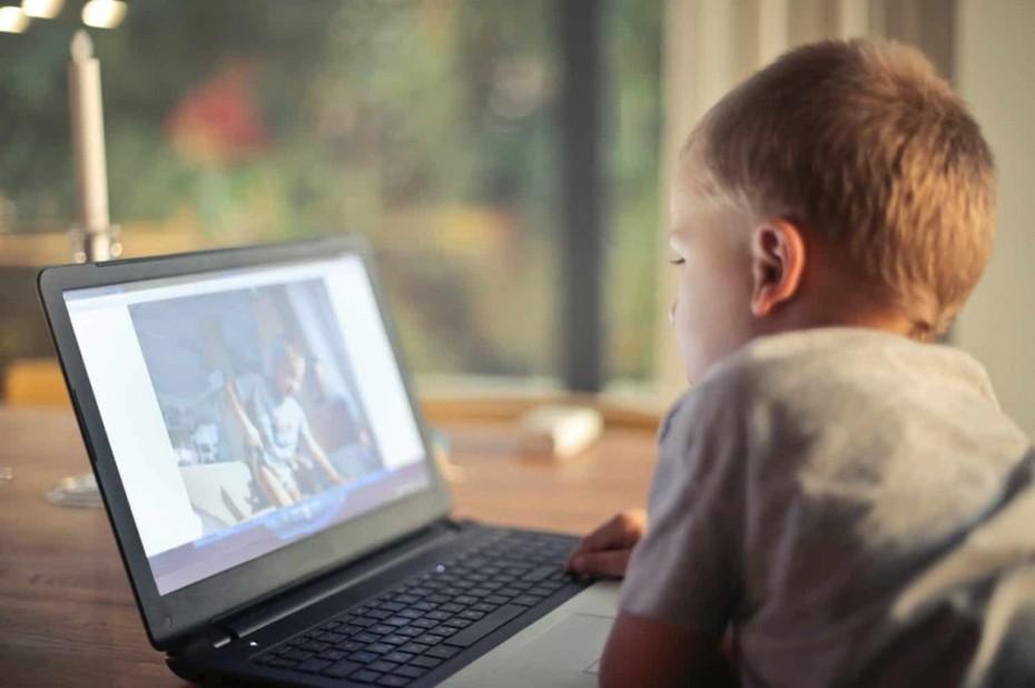 Το 60% των παιδιών στην Ελλάδα έχουν πρόσβαση στο διαδίκτυο