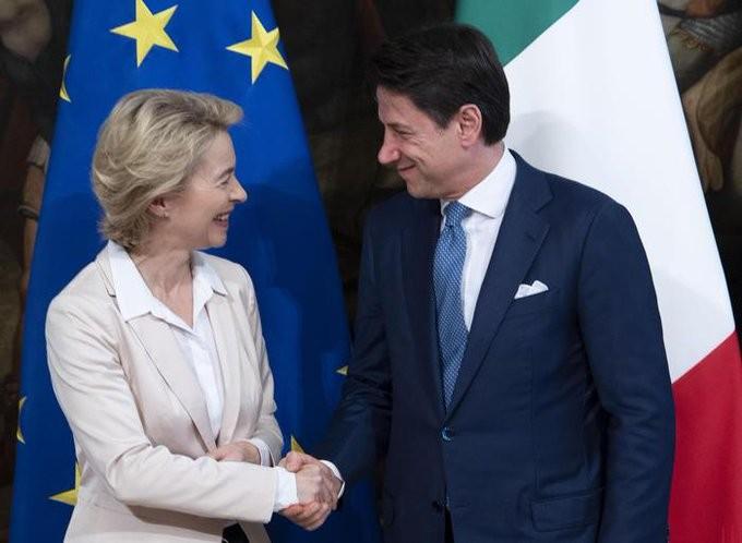«Φρόνιμος» ο Κόντε απέναντι στην ΕΕ για την Ιταλία