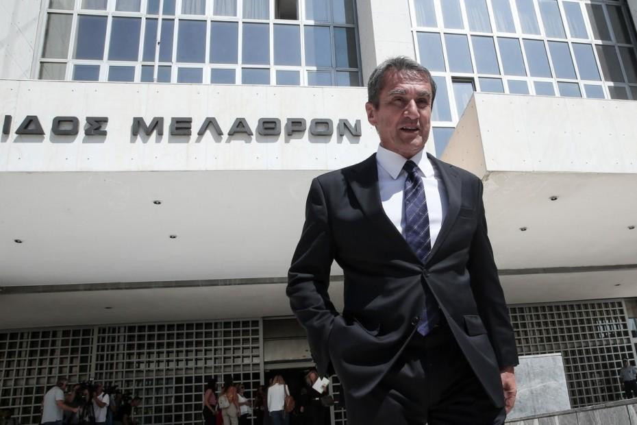 Υπόθεση Novartis: Στο «κάδρο» και του Λοβέρδου ο Παπαγγελόπουλος