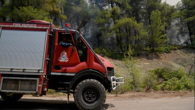 Σε εξέλιξη ισχυρή πυρκαγιά στον Παχυκάλαμο της Άρτας