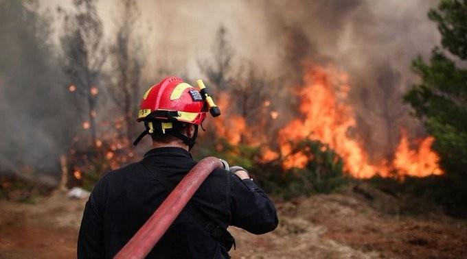 Καλύτερη η εικόνα από την πυρκαγιά στο Φλόκα της Αχαΐας