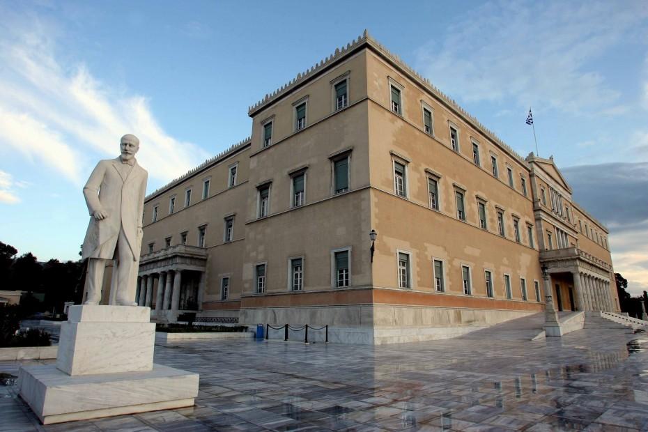 Βουλή: Ανέβηκε το πολιτικό θερμόμετρο για τις Πρέσπες
