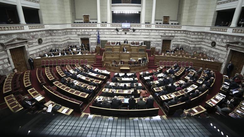 Ο ΣΥΡΙΖΑ ζητά εξηγήσεις στη Βουλή για το deal Μαρινάκη - Forthnet