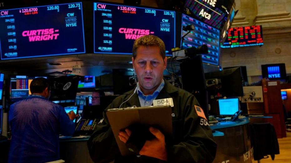 Μικρά κέρδη στη Wall Street, εν μέσω των συζητήσεων ΗΠΑ - Κίνας