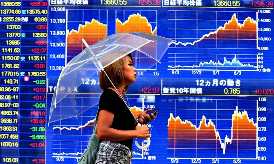 Αγορές: Η Ασία πήρε τη «σκυτάλη» από τη Wall