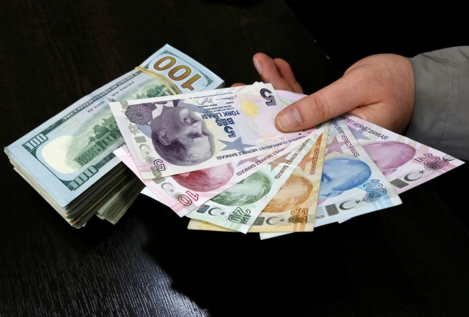 Τουρκία: Πουλάνε δολάρια για στήριξη της λίρας