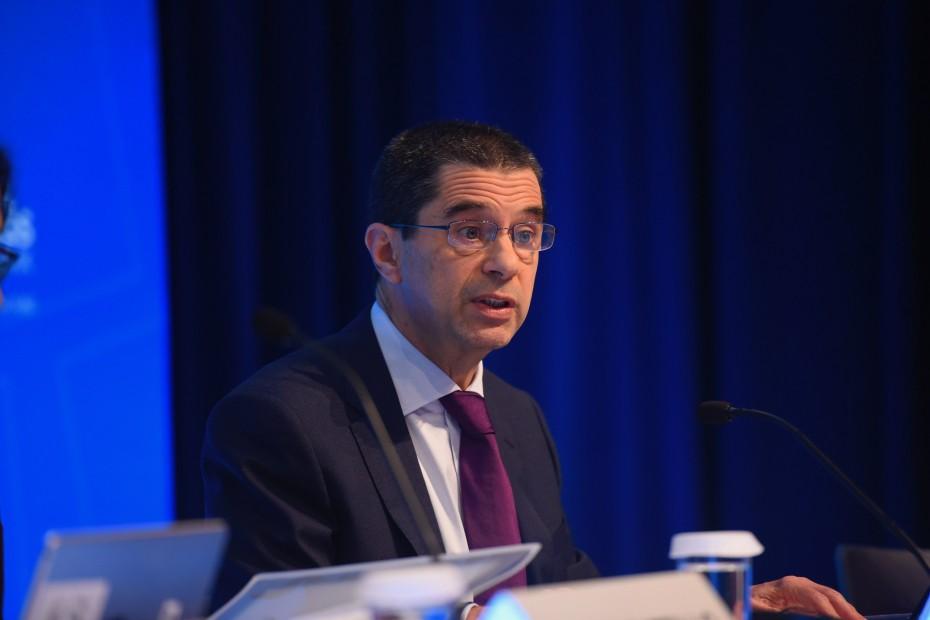 Το ΔΝΤ «κουρεύει» και τις προβλέψεις για τα πλεονάσματα στην Ελλάδα