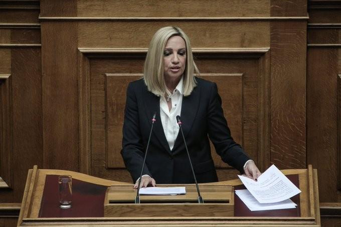 «Ασπίδα» Γεννηματά σε Λοβέρδο στη Βουλή για την υπόθεση Novartis