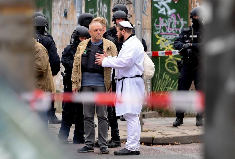 «Μυρίζει» ακροδεξιά οργάνωση στην επίθεση στη Χάλε της Γερμανίας