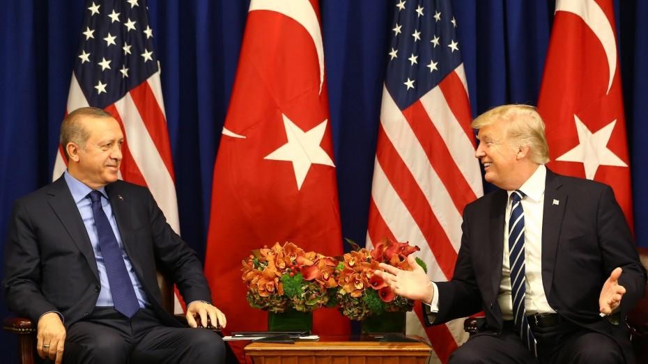 «Κακή ιδέα» ψελλίζει ο Τραμπ για την εισβολή της Τουρκίας στη Συρία
