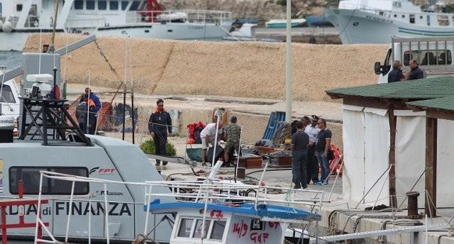 Τουλάχιστον 13 νεκροί από ναυάγιο προσφύγων κοντά στη Λαμπεντούζα