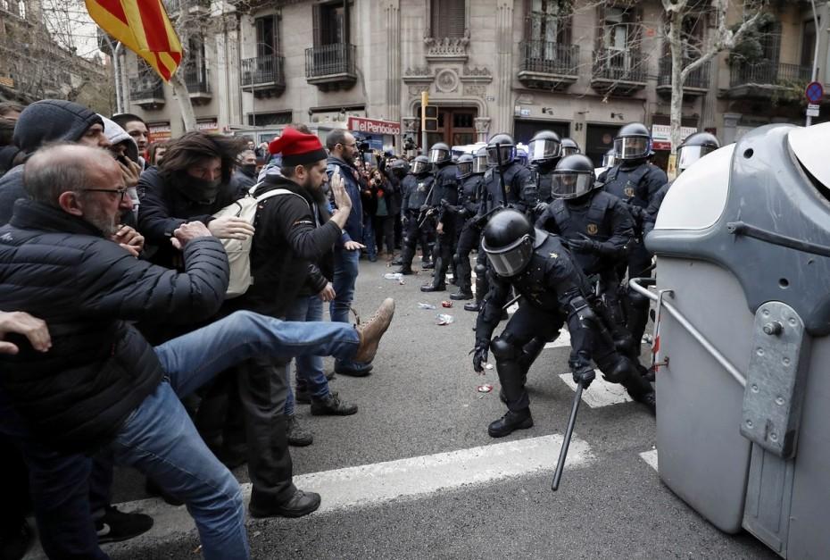 «Καζάνι που βράζει» η Καταλονία για τις ποινές κάθειρξης στους αυτονομιστές ηγέτες
