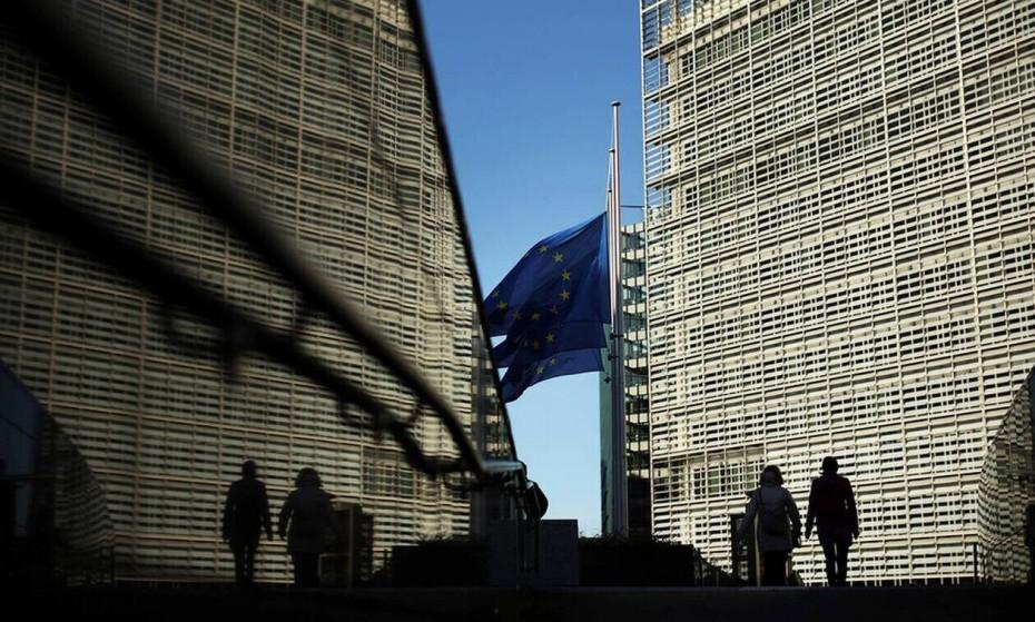 «Σφίγγα» η Κομισιόν για το προσχέδιο του ελληνικού προϋπολογισμού