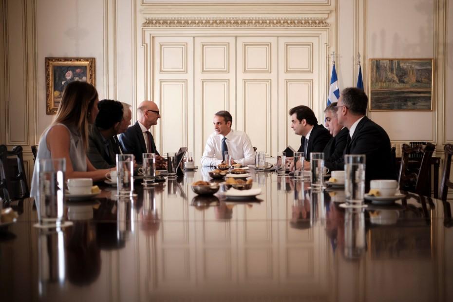 Τι «έβγαλαν» οι σημερινές συναντήσεις Μητσοτάκη με ξένους επενδυτές