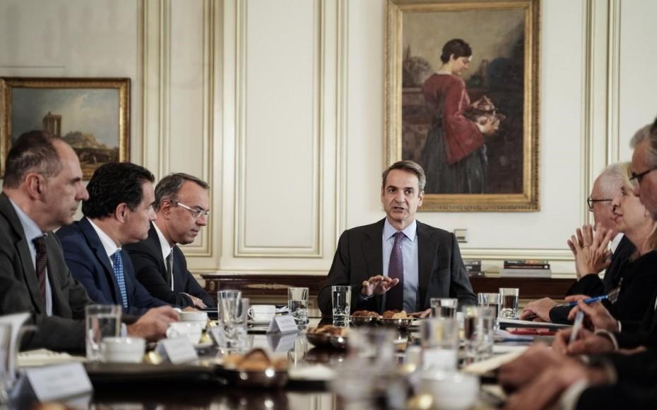 Τραπεζίτες: Θα επαναξετάσουμε τις χρεώσεις στις συναλλαγές