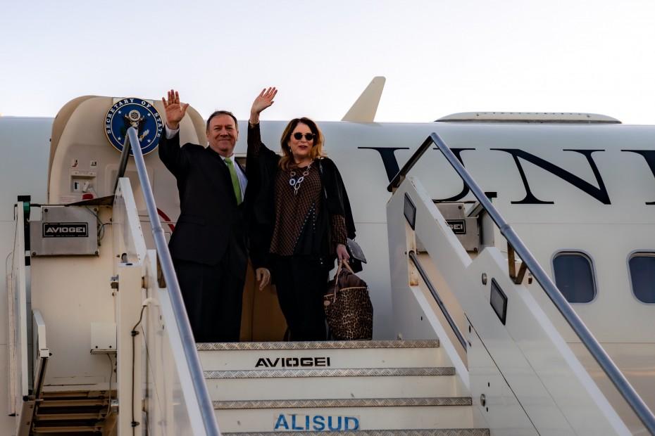 Έφτασε Αθήνα ο Πομπέο - Το πρόγραμμα των συναντήσεων το Σάββατο