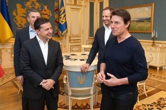 Ο Τομ Κρουζ συναντήθηκε με τον πρώην... συνάδελφο του, πρόεδρο της Ουκρανίας