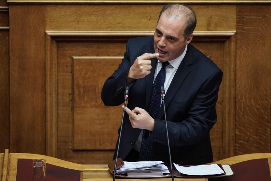 Μια... «Ελληνική Λύση» για τους καπνιστές