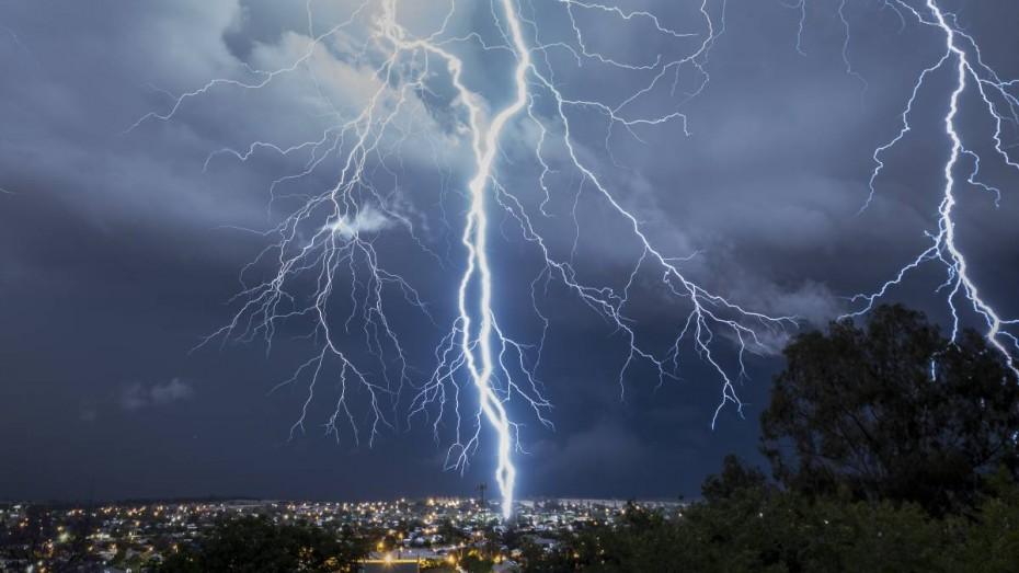 Καιρός: Επέστρεψαν οι βροχές και οι καταιγίδες