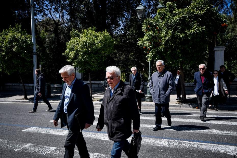 Αναδρομικά 40 μηνών διεκδικούν οι συνταξιούχοι