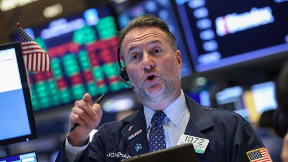 Νέοι εμπορικοί φόβοι ρίχνουν τη Wall Street για τη Δευτέρα