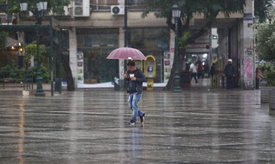 Παραμένουν οι βροχές και οι καταιγίδες για την Παρασκευή
