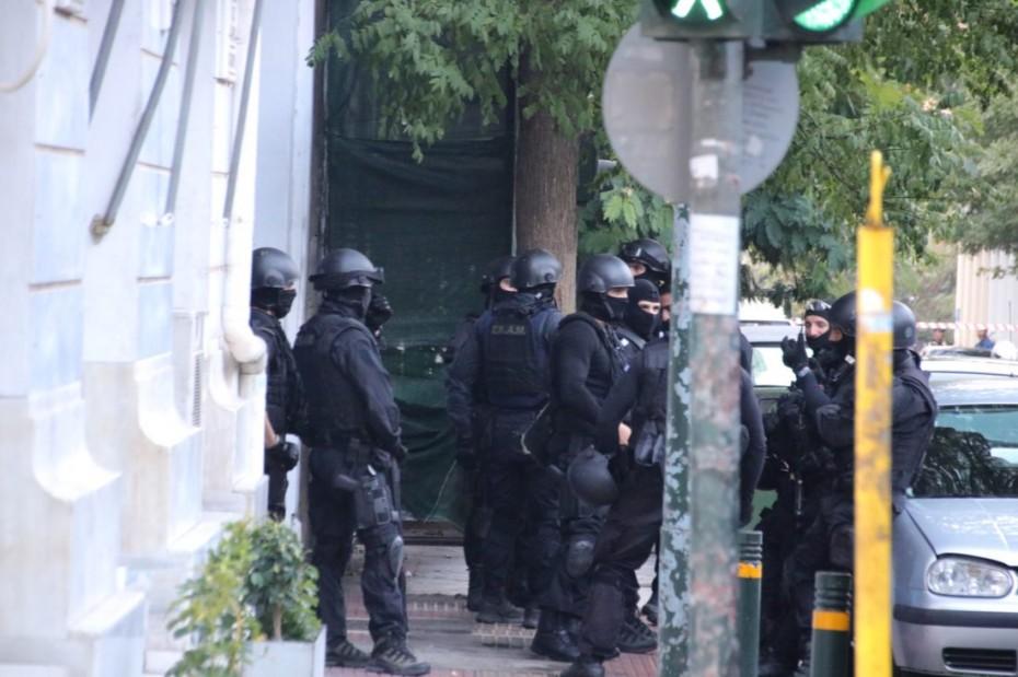Αστυνομική επιχείρηση σε κτίριο υπό κατάληψη στο κέντρο της Αθήνας