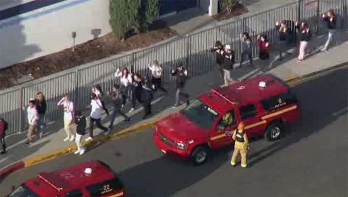 Νέοι πυροβολισμοί στην Καλιφόρνια των ΗΠΑ - Τουλάχιστον 7 τραυματίες