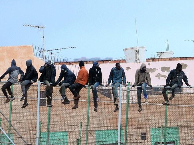 Τουλάχιστον 4 νεκροί μετανάστες από ναυάγιο στην Ισπανία