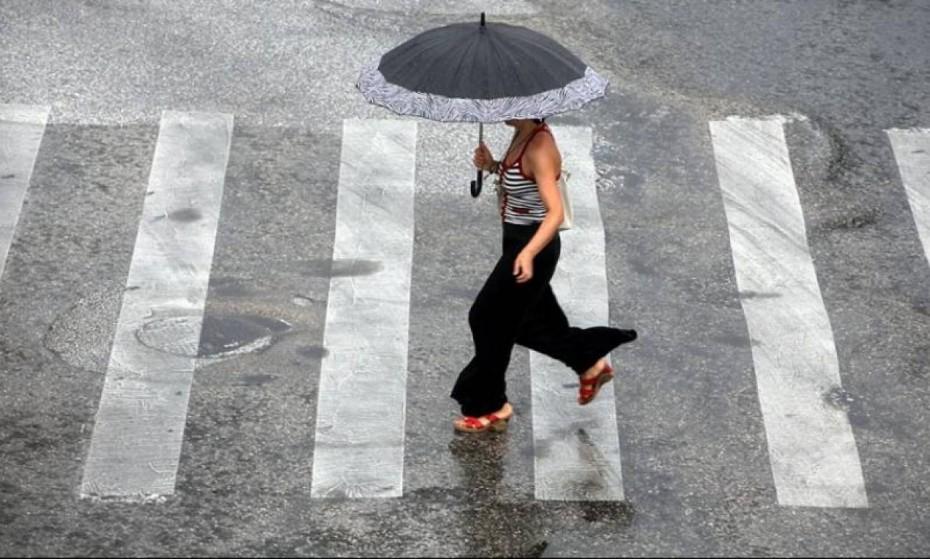 Με βροχές και καταιγίδες ο καιρός την Πέμπτη