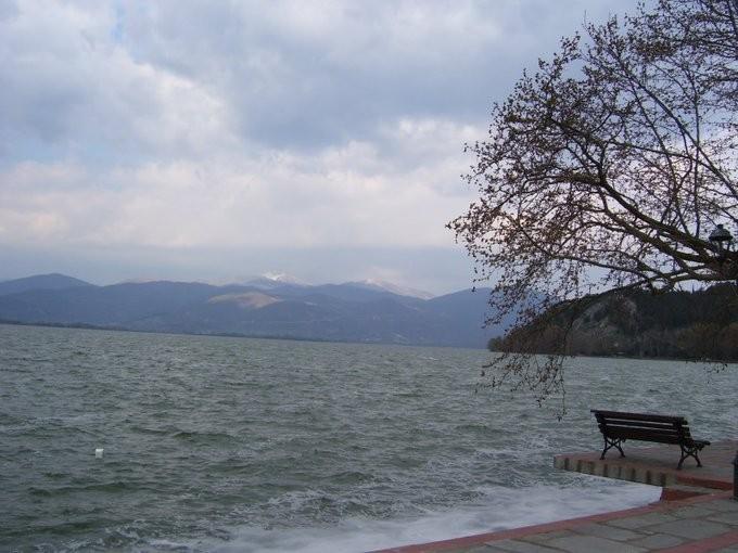 Μυστήριο με θάνατο άνδρα στη λίμνη της Καστοριάς