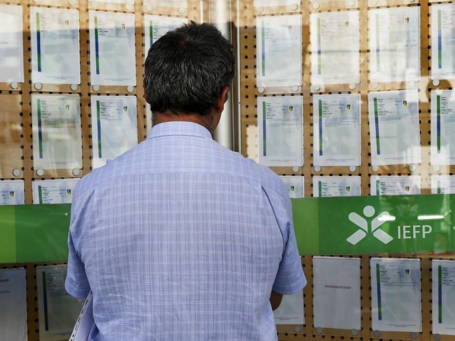 Αύξηση 35 ευρω για το κατώτατο μισθό των Πορτογάλων