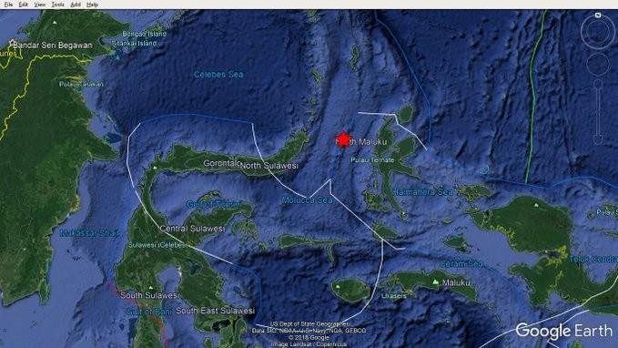 Σεισμός 7,4 Ρίχτερ στην Ινδονησία - Προειδοποίηση για τσουνάμι