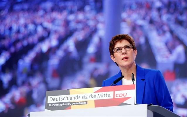 Επικράτηση της Κραμπ-Καρενμπάουερ στο συνέδριο του CDU