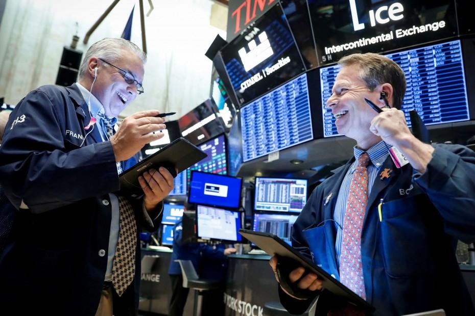 Μικρά, αλλά νέα υψηλά για τη Wall Street στο ξεκίνημα της Τρίτης