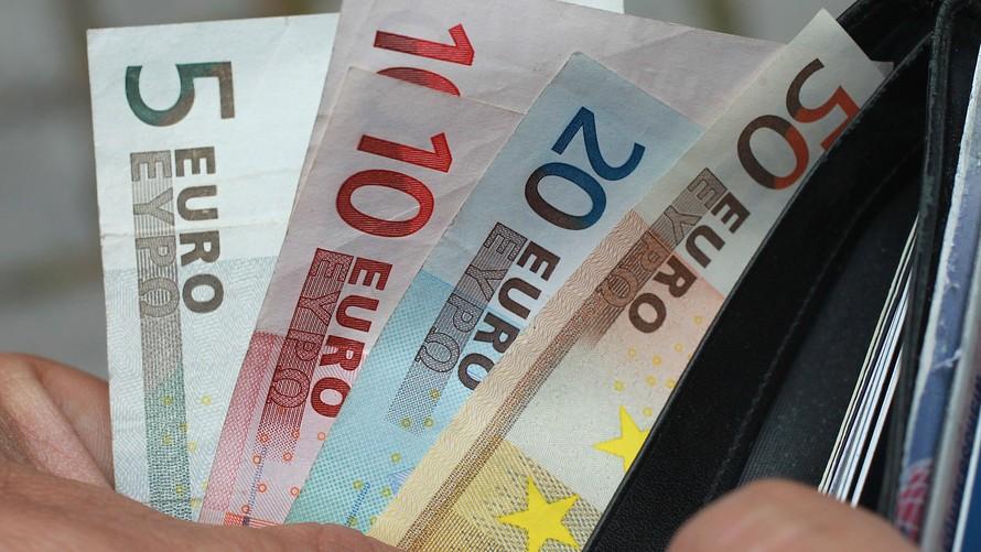 Αρνητικό ξεκίνημα εβδομάδας στις ευρωαγορές