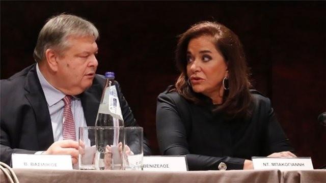 Θετικός ο Βενιζέλος στην υπογραφή συνυποσχετικού για προσφυγή στη Χάγη
