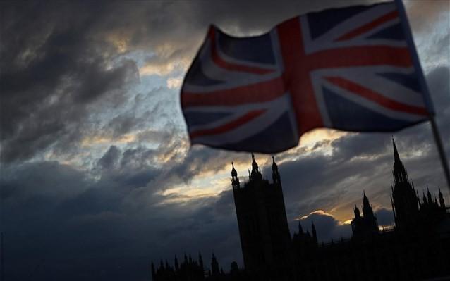 Τι δείχνουν οι τελευταίες δημοσκοπήσεις πριν τις βρετανικές εκλογές