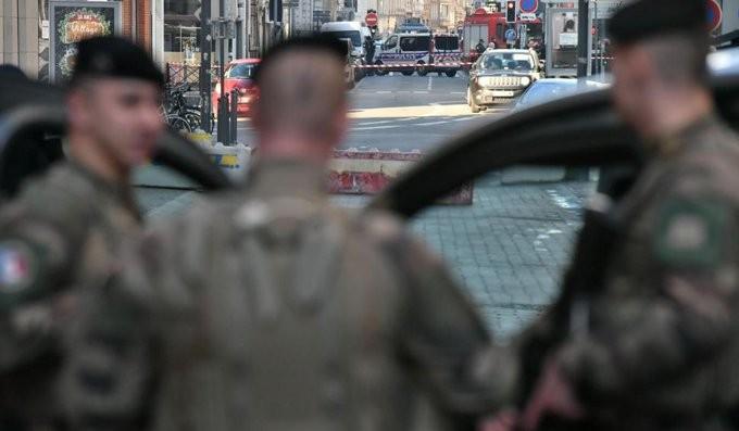 Συναγερμός στη Λιλ της Γαλλίας: Ύποπτο αέριο σε αυτοκίνητο
