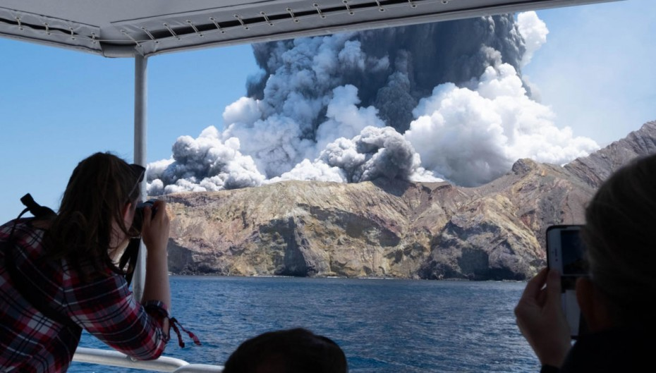 Ν. Ζηλανδία: Εννέα αγνοούμενοι, έξι νεκροί και τριάντα τραυματίες από την έκρηξη ηφαιστείου