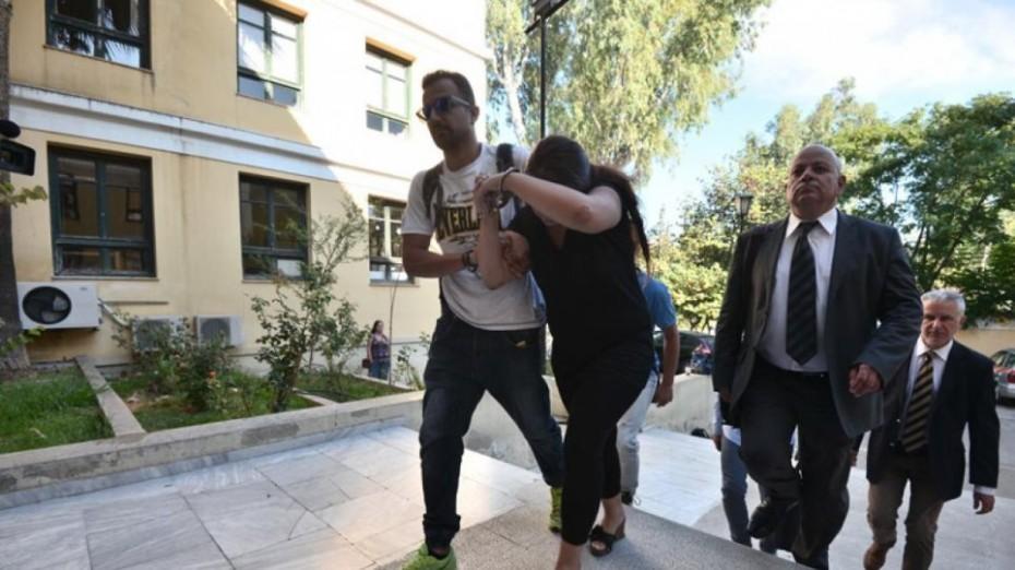 Άρχισε η δίκη της αποκαλούμενης «φόνισσας του Κορωπίου» σε β' βαθμό
