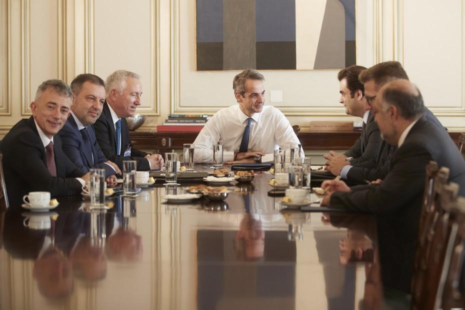 Μείωση φορολογίας ζήτησαν από τον πρωθυπουργό οι εκπρόσωποι των τηλεπικοινωνιών