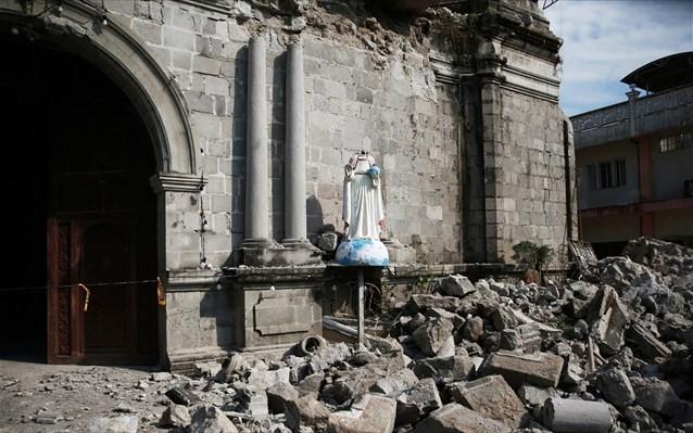 Τουλάχιστον 1 κορίτσι νεκρό από σεισμό 6,8 Ρίχτερ στις Φιλιππίνες