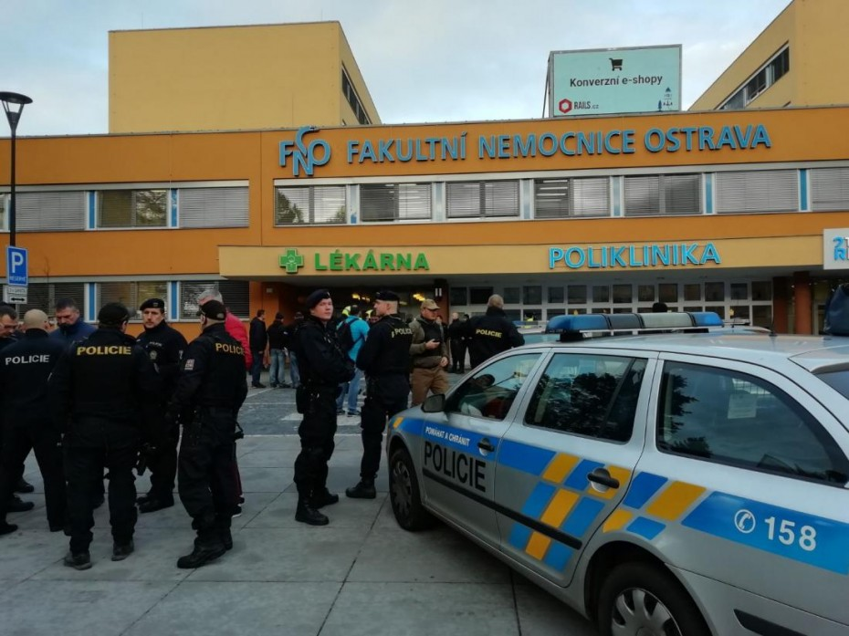 Μακελειό σε νοσοκομείο της Τσεχίας - Άνοιξε πυρ, σκότωσε και τράπηκε σε φυγή