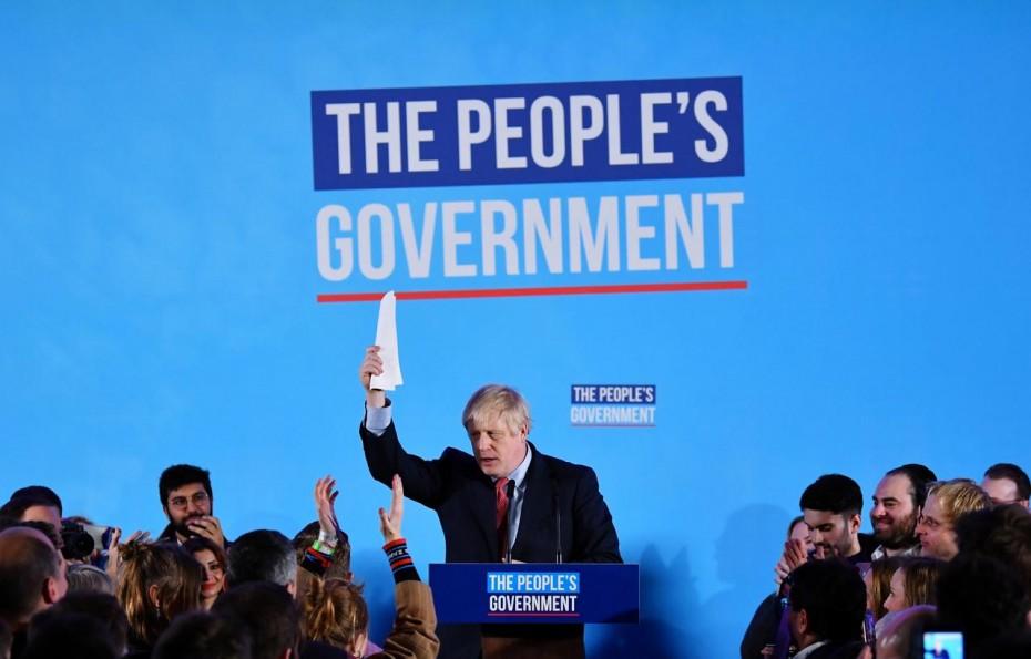 Με 365 έδρες ο θρίαμβος του Τζόνσον στις βρετανικές εκλογές