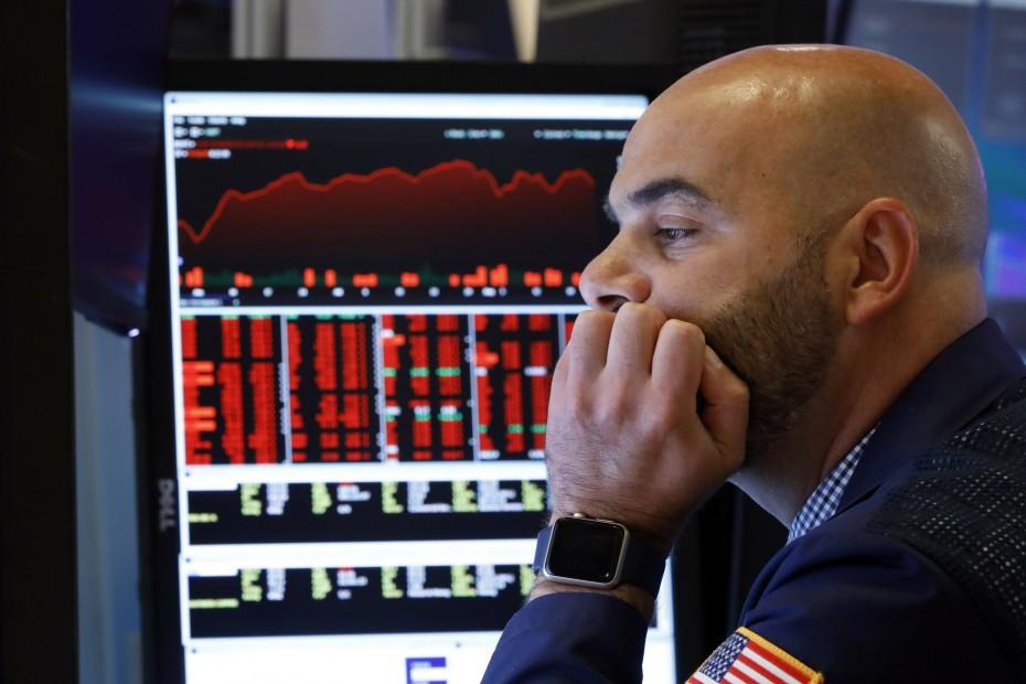 Στη «δίνη» των αμερικανικών δασμών η Wall Street