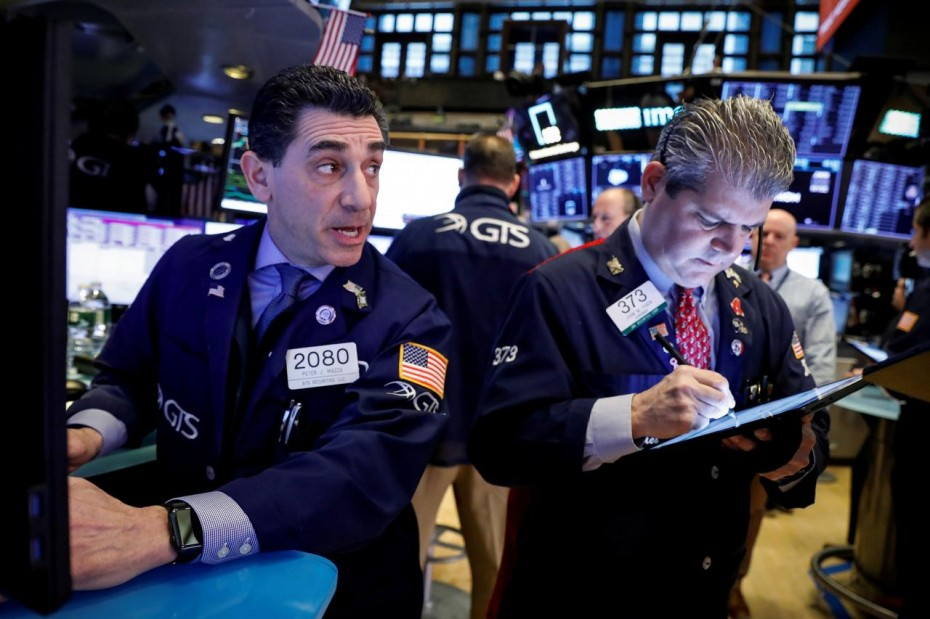 Με «βουτιά» το άνοιγμα της Wall Street τη Δευτέρα, λόγω του κοροναϊού