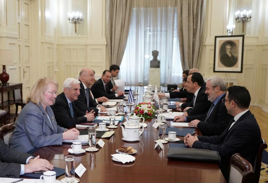 Νέα επαφή Δένδια - Χριστουδουλίδη για τη συνεργασία Ελλάδας - Κύπρου